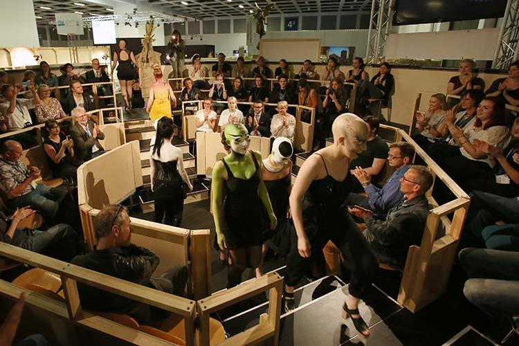 stage set scenery patrocina los premios baden baden 2016 isp audio light. Black Bedroom Furniture Sets. Home Design Ideas